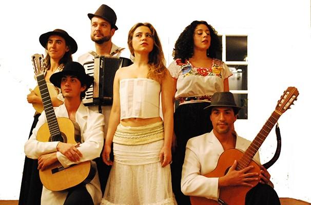 O elenco do espetáculo 'Frida Kahlo - Calor e Frio' (Foto: Divulgação)