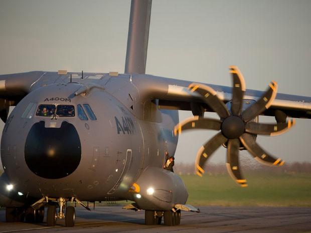 Tom Cruise na famosa cena do avião em 'Missão: Impossível – Nação secreta' (Foto: Divulgação)