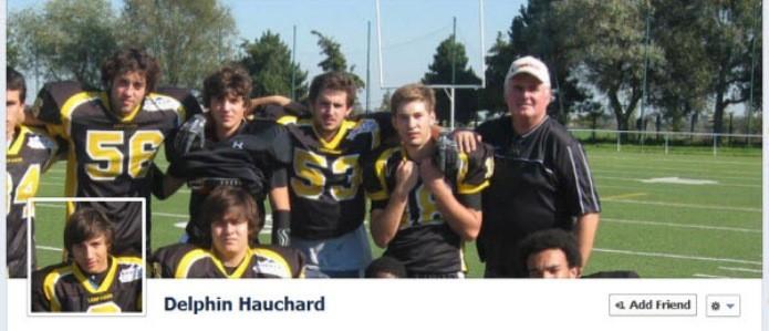 Foto de time de futebol americano interage com a foto de perfil (Foto: Reprodução/Hongkiat)
