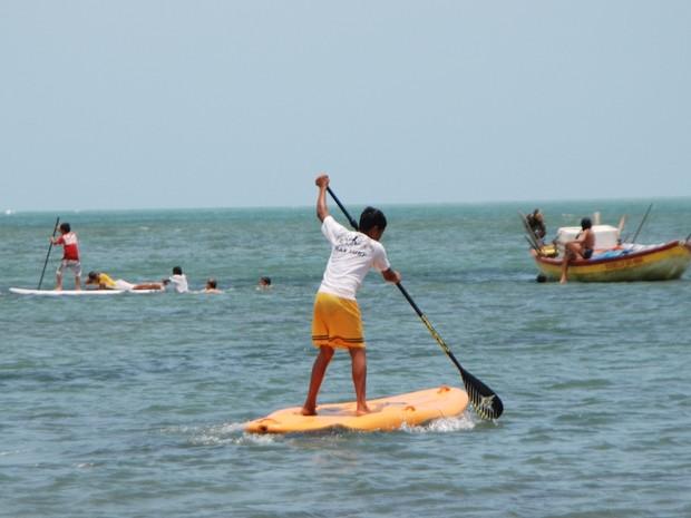 SUP - Stand Up Paddle é a atração do local para quem curte o esporte. (Foto: Ribamar Aragão)