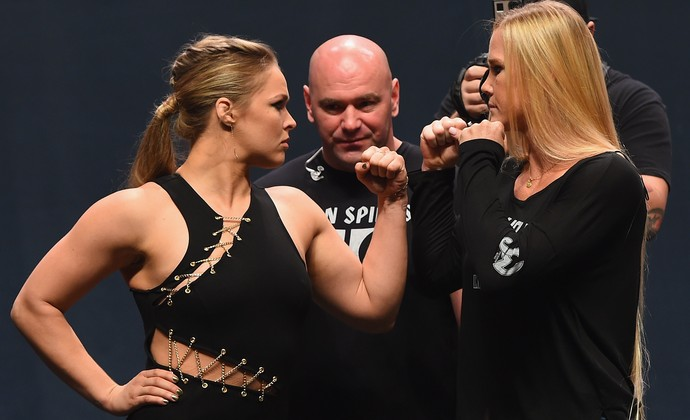 Ronda Rousey x Holly Holm encarada UFC Go Big (Foto: Getty Images)
