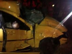 Carro caiu em uma ribanceira e motorista morreu. (Foto: Reprodução/TV Gazeta)