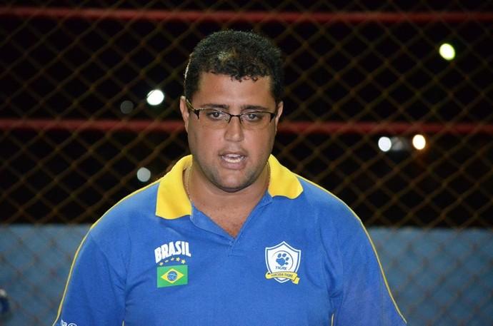 Dover Santos, diretor da Cabofriense Fut 7 (Foto: Léo Borges/NaJogada)