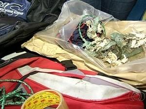 Cordas e restos de dinamite encontrados na cena do crime de Loanne e Joaquim, em Pirenópolis, Goiás (Foto: Reprodução/TV Anhanguera)