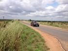 Usuários reclamam de mato e buracos na BR-401 em Roraima