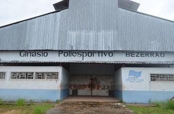 Ginásio poliesportivo Bezerrão, em Cruzeiro do Sul (Foto: Anne Barbosa/G1)