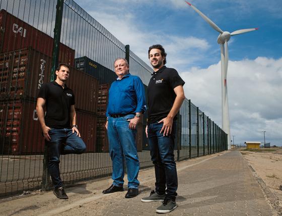 Adão Muniz,Samuel Lima e Guilherme Studart,sócios.Eles contrataram 10 funcionários este ano (Foto: Igor de Melo/ÉPOCA)