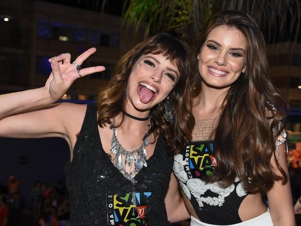 Agatha Moreira e Camila Queiroz (Foto: Caio Duran e Charles Naseh / Divulgação)