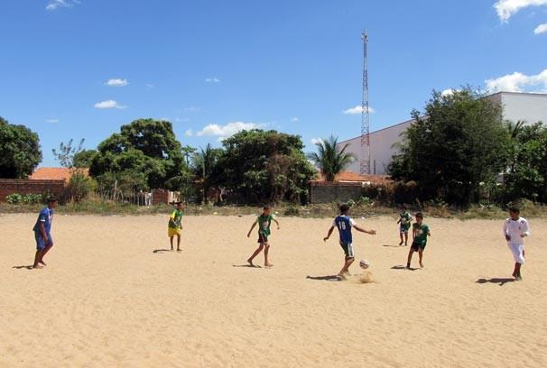 Jogos de futebol e handebol abrem o Dia da Esperança no Piauí (Foto: Katylenin França/TV Clube)