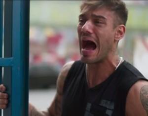 Uood não encontra Alina e fica desesperado (Foto: TV Globo)