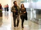 Marcos Palmeira vai ao cinema com colega de 'Saramandaia'