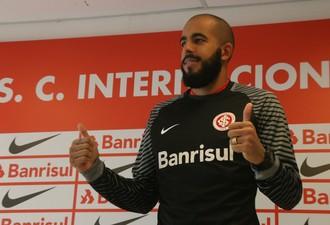 Danilo Fernandes goleiro Inter (Foto: Tomás Hammes / GloboEsporte.com)