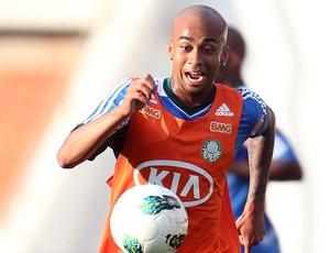 Wesley no treino do Palmeiras (Foto: Alex Silva / Ag. estado)