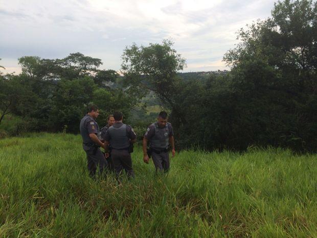 Polícia localizou o corpo do menino de 9 anos em um vale (Foto: Guilherme Lopes / TV TEM)