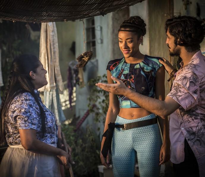Miguel apresenta Sophie para Ceci  (Foto: Inácio Moraes/Gshow)