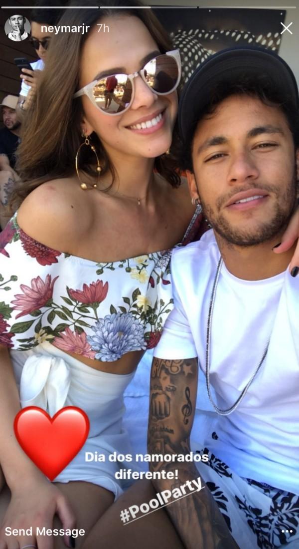 Neymar postou foto também nos stories do Instagram (Foto: Reprodução/Instagram)