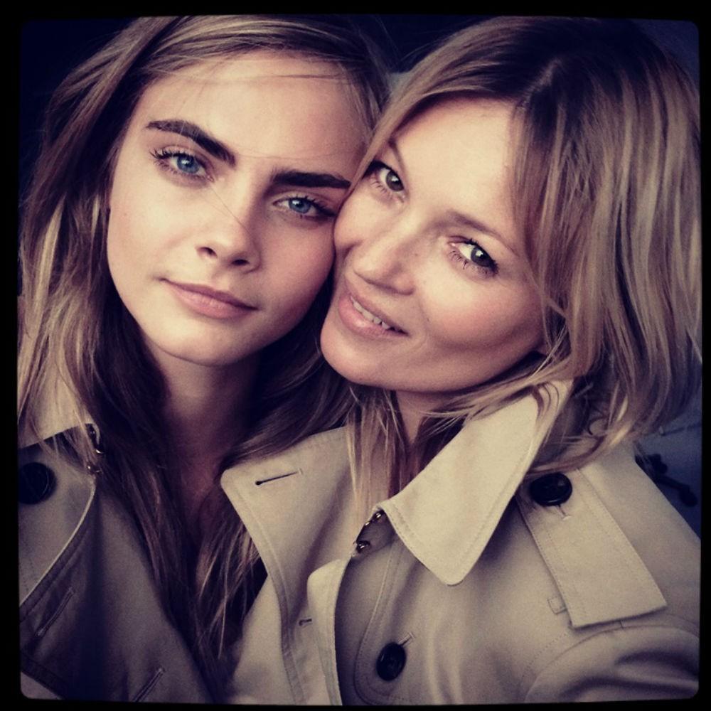 Kate Moss e Cara Delevingne posam juntas para nova campanha de perfume da Burberry