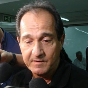 Muricy joga toalha no Brasileirão e confirma time misto para o San-São