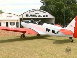 Aeronave de 1948 exposta em Pirassununga, SP (Foto: Reprodução/EPTV)