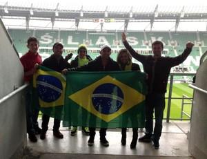 Eles acompanharam o jogo da Seleção na Polônia (Foto: Arquivo Pessoal)