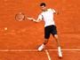 Djokovic se estressa com falhas, mas bate belga e vai à 3ª rodada em Paris