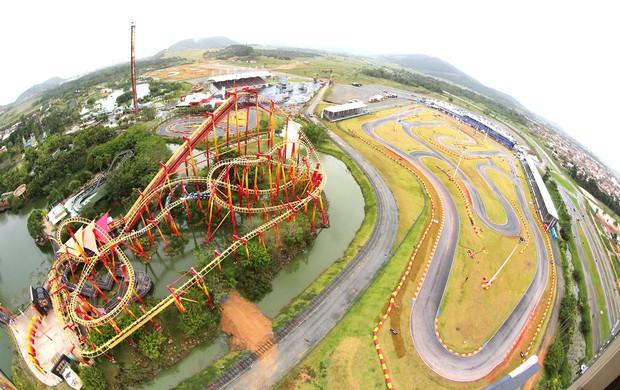 O kartódromo que recebe as 500 milhas fica no complexo do parque Beto Carrero, em SC (Foto: Carsten Horst / divulgação)