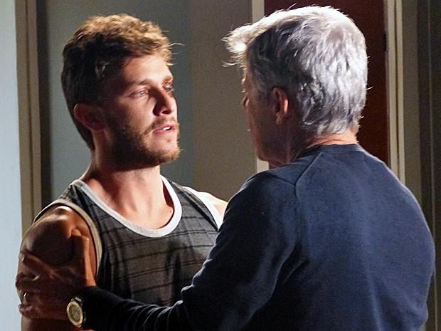 Leonardo conta que tomou uma surra de Enrico (Foto: Gshow)