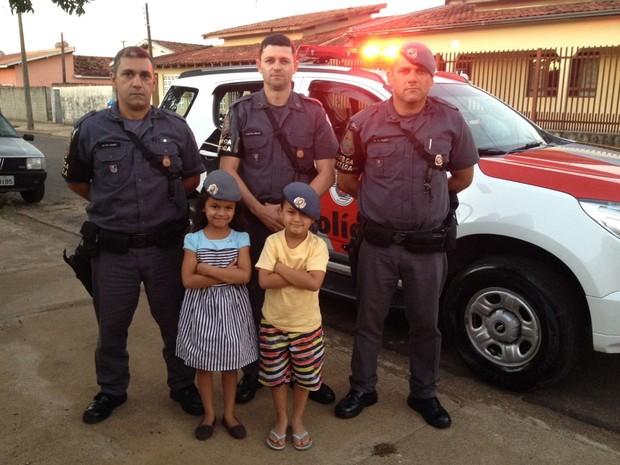 Mãe de criança pediu para que policiais participassem de aniversário da filha (Foto: Divulgação/Polícia Militar)