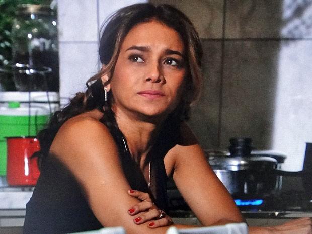Lucimar não quer perder sua casa (Foto: Salve Jorge/TV Globo)