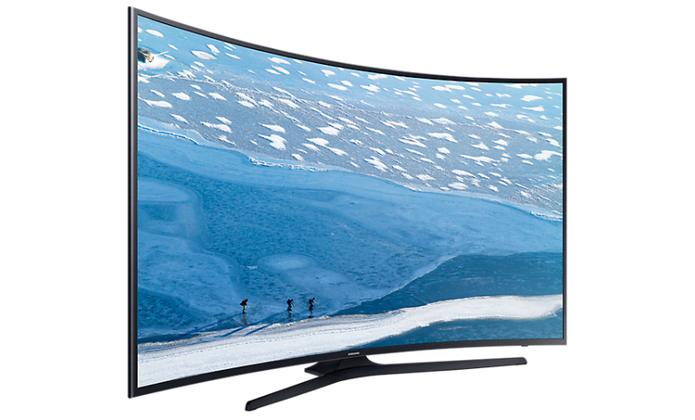 Smart TV 4K com HDR também tem tela curva para maior imersão na imagem (Foto: Divulgação/Samsung)