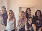 Felipe de Carolis posta foto de atrizes de 'Verdades' e fãs se derretem