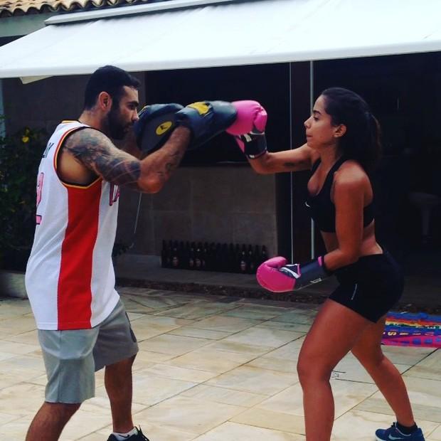 Anitta com personal, Chico Salgado (Foto: Reprodução/Instagram)