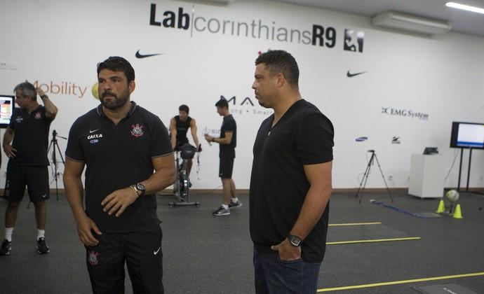 Ronaldo inauguração lab corinthians r9 (Foto: Daniel Augusto Jr/Agência Corinthians)