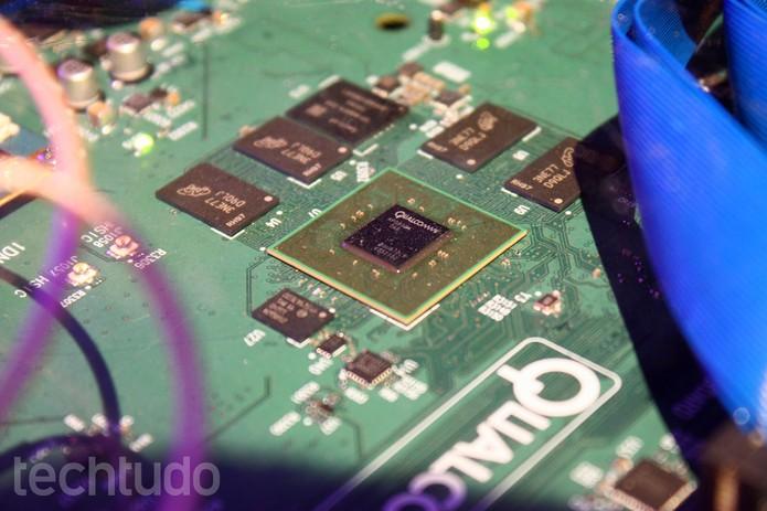Snapdragon 610 suporta Internet de alta velocidade LTE, mas tem quatro núcleos (Foto: Allan Melo / TechTudo)