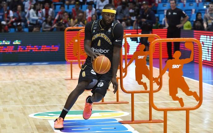 Tyrone Curnell, basquete, Mogi das Cruzes, NBB (Foto: Fotojump/LNB)
