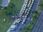Guarda Municipal do Rio aplica 180 multas em ato de taxistas contra Uber