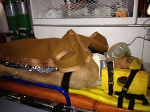 Claudionor foi resgatado após seis horas e teve apenas um arranhão no joelho direito. (Foto: Divulgação/Corpo de Bombeiros)
