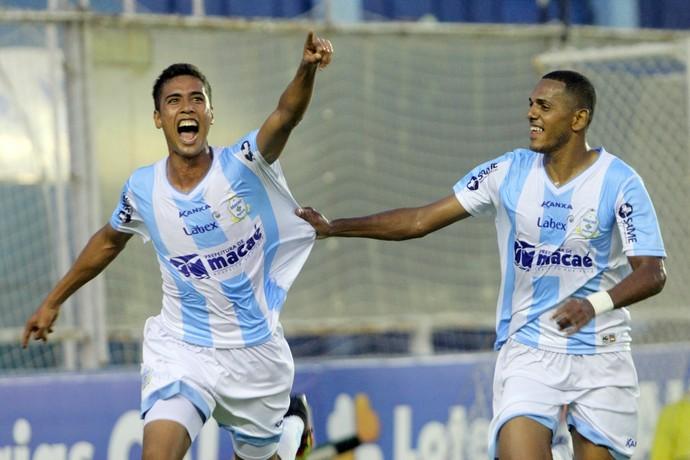 gol de ebert, macaé x botafogo-sp, dos santos (Foto: Tiago Ferreira / Macaé Esporte)