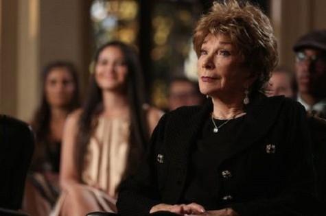 Shirley MacLaine  em cena de Glee (Foto: Reprodução)