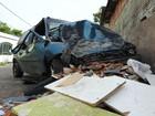Estudante de 16 anos morre em colisão de carro com muro, no AM
