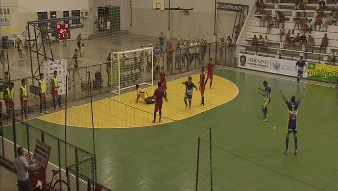 Russas, azul, Brejo Santo, vermelho, TV Verdes Mares, futsal (Foto: Reprodução/TV Verdes Mares)