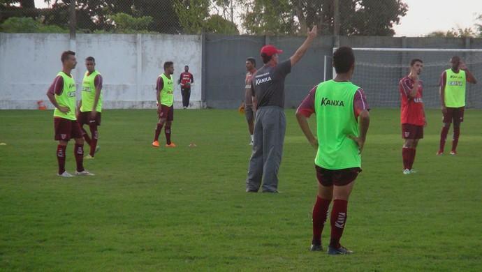 Mazola Júnior comanda primeiro treino no CRB (Foto: Denison Roma / GloboEsporte.com)