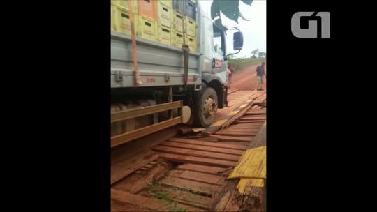 Vídeo mostra veículos pesados sobre ponte com fissuras na BR-156, no AP