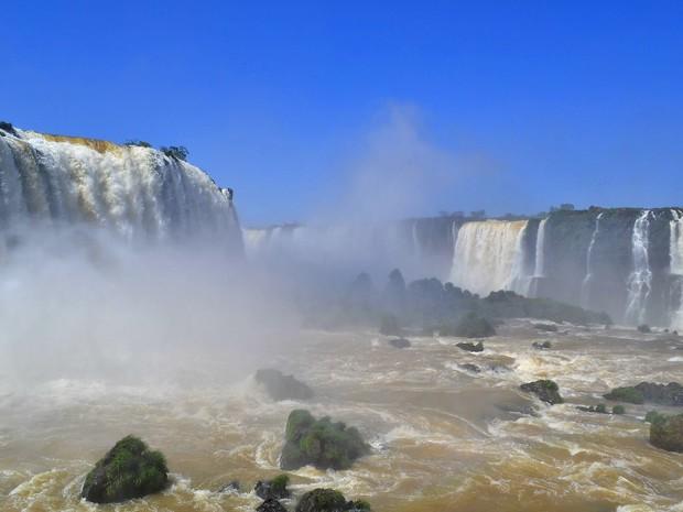 Nesta quarta-feira (22) vazão nas Cataratas do Iguaçu chegou a 1,38 milhão de l/s (Foto: Cataratas do Iguaçu S.A. / Divulgação)
