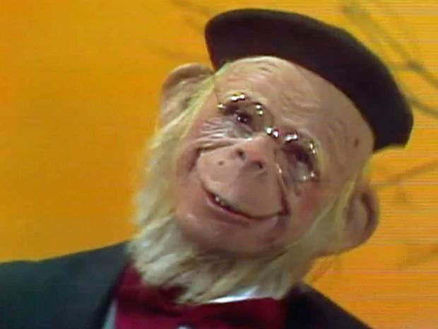 O Macaco Sócrates, um dos primeiros personagens de Orival Pessini, criado na década de 1970 e que integrava o programa 'Planeta dos Homens' (Foto: Reprodução/TV Globo)