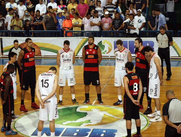 Uberlândia x Flamengo nbb basquete (Foto: Raphael Oliveira/EAZ)