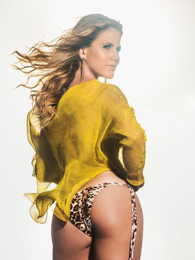 Marina Mantega para a revista Status (Foto: Divulgação / Revista Status)