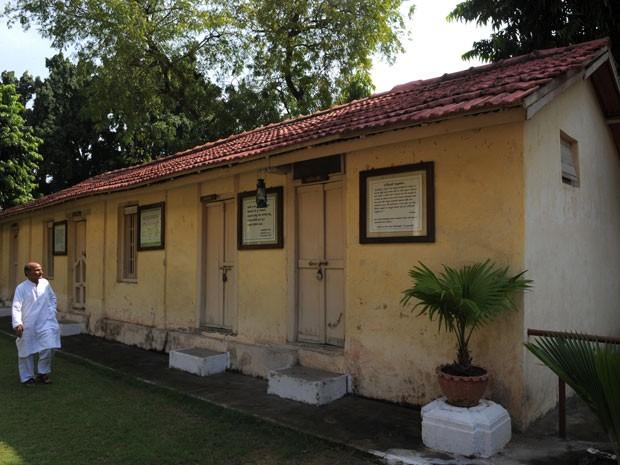 O exterior do Kochrab Ashram, criado por Mahatma Gandhi (Foto: Sam Panthaky/AFP)