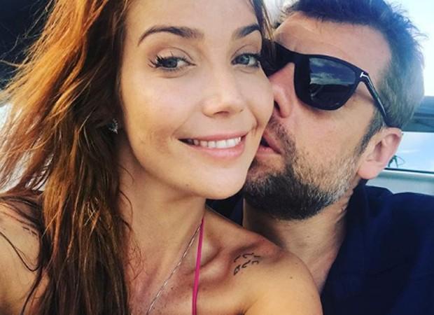 Luiza Possi e o noivo, o diretor Cris Gomes (Foto: Reprodução/Instagram)
