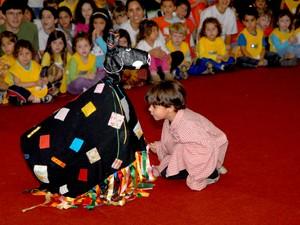 Apresentações culturais ocorrem paralelamente à feira (Foto: Jones Bastos/Divulgação)